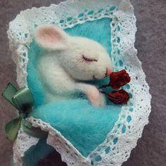 мышка брошь) Размер броши 8 см ) #woolmouse #handmade #handmademouse #feltgifts #gifts #feltmouse #mouse #wooltoys #handmadetoys #felt #мышкаизвойлока #мышка #мышкаизшерсти #игрушкиизвойлока #felting #фелтинг #filz #игрушкиизшерсти #фильцевание #ярмаркамастеров #валянаямышка #woolmouse #handmade #handmademouse #feltgifts #gifts #feltmouse #mouse #wooltoys #handmadetoys  #мышкаизвойлока #мышка #мышкаизшерсти #игрушкии#мастеркрафт#mysolutionforlife#miraclewool#sea_of_ideas#artisanland#hand_md