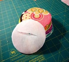 Great way to do applique without raw edges- love that they used CD's for the circle template too.