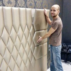 MDF base, polyurethane foam or rubber foam, covered like upholstered furniture. Bed Headboard Design, Headboards For Beds, Sofa Design, Upholstered Furniture, Bedroom Furniture, Diy Furniture, Bedroom Decor, Trendy Bedroom, Modern Bedroom