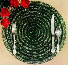 NEW! Round Hairpin Lace Place Mat pattern from Coats & Clark's O.N.T., Book No. 303.