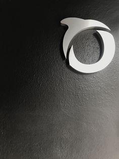 Logo en acero inoxidable Silver Rings, Jewelry, Ocean Room, Stainless Steel, Offices, Jewlery, Jewels, Jewerly, Jewelery