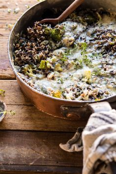 Keeping things healthy and cozy today with this one pan Broccoli Cheese Wild Rice Casserole. Roasted broccoli, fresh herbs, hearty wild rice, and plenty of melty cheese, all together in one … Easy Healthy Recipes, Vegan Recipes, Easy Meals, Cooking Recipes, Rice Recipes, Cooking Blogs, What's Cooking, Healthy Baking, Potato Recipes