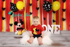 Mickey Mouse Cake Smash, One year old birthday pictures, Smash the Cake Session, Mickey Mouse Birthday
