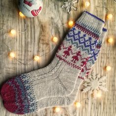 Warm socks with a Christmas design will be a great gift for family and friends. Knitting with love, Knitting Socks, Hand Knitting, Knit Socks, Knitting Ideas, Scandinavian Pattern, Cozy Socks, Winter Socks, Christmas Knitting, Sock Yarn