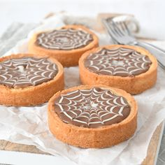 Home - Laura's Bakery Köstliche Desserts, Healthy Dessert Recipes, Baking Recipes, Cookie Recipes, Delicious Desserts, Caramel Shortbread, Individual Cakes, Cupcakes, Ice Cream Recipes