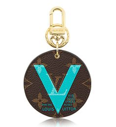 Louis Vuitton Illustre V Key Ring