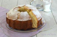 La ciambella della nonna è un dolce tradizionale, fatto con pochi e semplici ingredienti.