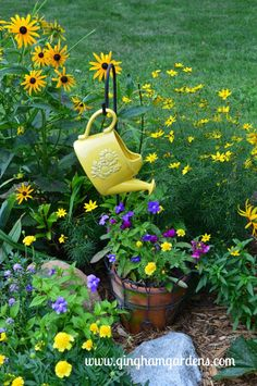Decorative watering can hanging from shepherd's hook. Such a fun part of gardening is adding some creative touches here and there with garden decor. The best garden decor pieces come from repurposing junk. Garden Yard Ideas, Garden Art, Garden Junk, Veg Garden, Garden Decorations, Diy Garden Projects, Garden Boxes, Garden Planters, Water Garden