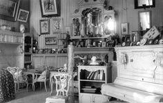 Alexandra mauve room at Alexander Palace of Romanov family.