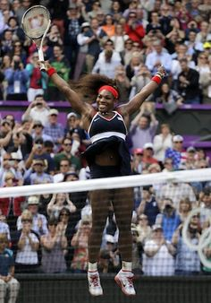 Serena Williams dominates Maria Sharapova to cap career Golden Slam #London2012 #Olympics