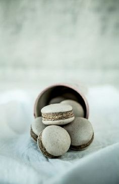... licorice macarons ...