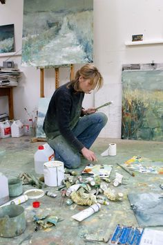 hannah woodman portrait by alex scheele Artist Life, Artist Art, Artist At Work, Painting Courses, Art Courses, Artist Workspace, Devon, Contemporary Artists, Contemporary Landscape