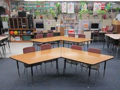 Brain Based Learning in the Century Classroom - Lots of great ideas! BONUS: lots of cool desk setup ideas! Love these trapezoid tables! Classroom Layout, Classroom Setting, Kindergarten Classroom, School Classroom, Classroom Organization, Desk Organization, Classroom Management, Classroom Seating Arrangements, Desk Arrangements