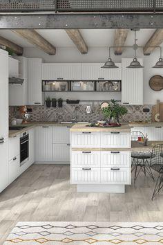 Vous rêvez d'une cuisine aussi belle que pratique ? Découvrez nos idées de cuisines fonctionnelles ! Elles sont toutes pensées et conçues en Europe, pour vous garantir une qualité optimale. Inviter les amis ou la famille n'aura jamais été aussi agréable !   Escalier Design, Cuisine Design, Kitchen Decor, Garage To Living Space, Home Decor, Country Kitchen, Home Kitchens, Functional Kitchen, Rustic House