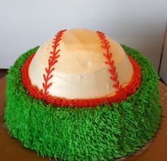 That cake looks good, i love all cakes but i love baseball ones a lot i also like basketball cakes Cake Icing, Buttercream Cake, Cupcake Cakes, Cupcakes, Baseball Food, Football, Soft Sugar Cookies, Birthday Cake Decorating, Icing Recipe