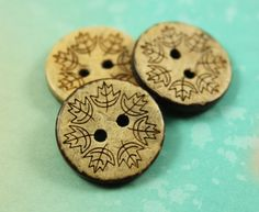 Wooden Buttons - So Cute Christmas Leaf Wreath Pattern Coconut Buttons, 0.79 inch, 10 pcs