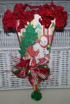Christmas Decoration Vintage Retro Style Christmas by TheNestinSLT