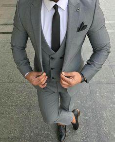 Mens Casual Suits, Dress Suits For Men, Men Dress Up, Formal Dresses For Men, Classy Suits, Formal Suits, Cool Suits, Mens Suits, Grey Slim Fit Suit