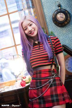 K-Pop Babe Pics – Photos of every single female singer in Korean Pop Music (K-Pop) Kpop Girl Groups, Korean Girl Groups, Kpop Girls, Nayeon, Asian Woman, Asian Girl, Snsd Yuri, Chaeyoung Twice, Twice Dahyun