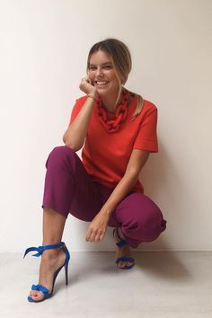 Nathalia Medeiros – shirt and pants – colorful – summer – street style – red – purple - Knitwear Fashion, Fashion Pants, Women's Fashion Dresses, Fashion Backpack, Colourful Outfits, Colorful Fashion, Style Work, My Style, Orange Top Outfit