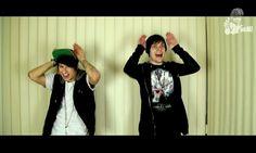 Ju (Julien Bam) und Viktor beim caramelldansen auf Viktors Kanal iBlali im Video: LEBEN wie in GTA?! / DEUTSCHLAND ohne YOUTUBE| Ali Tells.