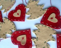 Christmas felt garland - HEARTS & TREES - red and beige festive decoration/advent