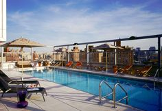 Piscina sul tetto del Gansevoort Pool – New York