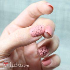 decoracion de uñas geométrica con watre decals   Geometric nails with decals