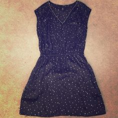 H&M Star Print Satin Dress Size 6 Cute dress only worn once and in great condition H&M Dresses Mini