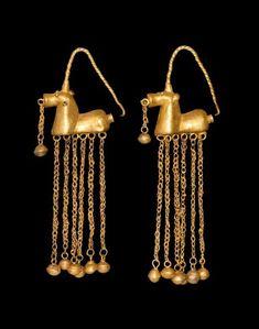 Antique Jewelry Greek Gold Horse Earrings with Dangles, Century BC Roman Jewelry, Greek Jewelry, Sea Glass Jewelry, Gold Jewelry, Diamond Jewelry, Ancient Jewelry, Antique Jewelry, Vintage Jewelry, Viking Jewelry