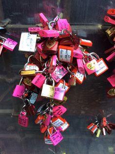 Verona lucchetti dell'amore davanti casa di giulietta