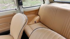 Fiat 126p Bambino, pierwsza seria, odrestaurowany Fiat 500, Cars And Motorcycles, Porsche, Car Seats, Garage, Bob, Retro, Mini, Vehicles