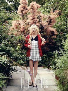 f(x) Krystal - Elle Magazine August Issue Krystal Sulli, Krystal Fx, Jessica & Krystal, Korea Fashion, Girl Fashion, Fashion Design, Korean Girl, Asian Girl, Krystal Jung Fashion