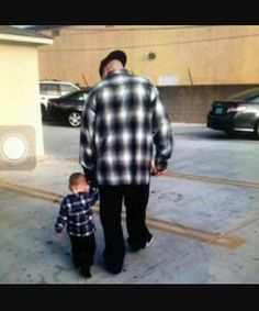 Born in the Lifestyle of the Barrio Chicano Love, Chicano Art, Chicano Drawings, Cute Family, Family Goals, Couple Goals, Cute Funny Babies, Cute Boys, Baby Boy Outfits