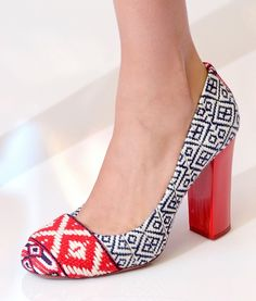 An ikat toe? I'll take them.