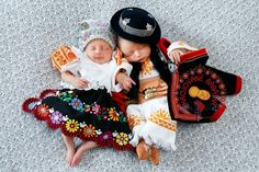 Photo exhibition features babies in Slovak folk dress Diy Fashion Hacks, Human Babies, Baby Costumes, Folk Costume, Baby Sleep, Baby Wearing, Baby Boy Outfits, Baby Love, Baby Photos