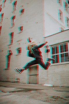 Stars Photo Tips Glitch Effect Photoshop, Photoshop Design, Photoshop Tutorial, Photoshop Actions, Vhs Glitch, Glitch Art, Glitch Wallpaper, Aesthetic Iphone Wallpaper, Photography Themes