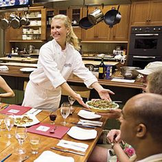 Tour Charleston With Your Taste Buds at Charleston Cooks! | SouthernLiving.com