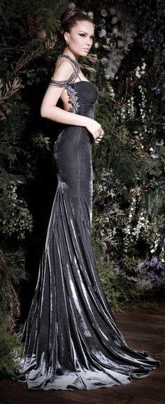 What a lovely fabric.] Imgend - charcoal velvet gown with train-gorgeous :-) Estilo Fashion, Ideias Fashion, Beautiful Gowns, Beautiful Outfits, Gorgeous Dress, Elegant Dresses, Pretty Dresses, Evening Dresses, Prom Dresses