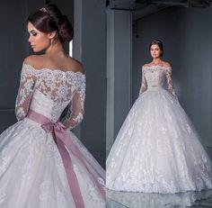 Luxuriöse Ballkleid Spitze Brautkleider 2015 neue der Schulter langen Ärmeln Kapelle Zug Tüll Appliques Perlen Brautkleider