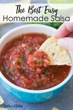 You'll love this Homemade Salsa Recipe! It's quick and easy to make and has the best flavor! This restaurant style salsa is fresh, flavorful and healthy. Made with fire roasted tomatoes, it's so much better than store-bought salsa! Fast and easy to make i Best Salsa Recipe, Tomato Salsa Recipe, Fresh Tomato Recipes, Fresh Tomato Salsa, Best Homemade Salsa Recipe Fresh Tomatoes, Salsa Recipe With Rotel, Salsa Recipe Using Canned Tomatoes, Pico Salsa Recipe, Snacks