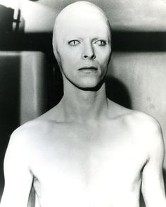 David Bowie - 'The Man Who Fell to Earth', directed by Nicolas Roeg. I always thought that Bowie could never really be from Earth. Angela Bowie, David Bowie, Anthony Kiedis, Lauryn Hill, Stoner Rock, Carl Jung, Freddie Mercury, Bowie Blackstar, Beauty