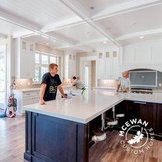 Oh what a kitchen this has turned out to be! #mcewancustomhomes #smalldetailsbigdifference #kitchen #home #homebuilder #homebuilding #homedesign #design #newhome #newconstruction #custom #customhomes #customhome #customdesign #utahhomes #utahvalley #elitepainting #utahbuilder @mountaincabinetry @coppervalleyelectric @cowieconstruction @alphaomegahardware @reyestile @mountainlanddesigns