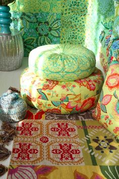 adorable honey bun poufs and more amy butler patterns at http://www.amybutlerdesign.com/products/patterns_top.php