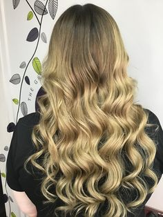Balmain Hair Extensions, Long Hair Styles, Beauty, Long Hairstyle, Long Haircuts, Long Hair Cuts, Beauty Illustration, Long Hairstyles, Long Hair Dos
