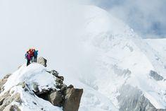 Sabrina und Christian genießen nach erfolgreichem Aufstieg die sensationelle Aussicht in der Region um den Mont Blanc! #sporthausschuster #schuster1913 #münchen #marienplatz #chamonix #montblanc #arcteryxalpineacademy #arcteryx #peak Schaut doch mal in unserem Arc'teryx-Markenshop vorbei: http://www.sport-schuster.de/Marken/Arcteryx/
