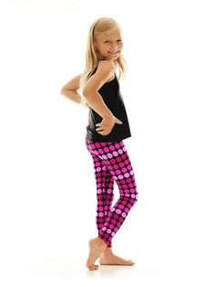 dünne junge jugendlich mädchen in leggings