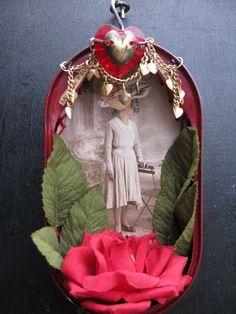 Assemblage vintage, art dans une boite avec photo vintage. Cadeaux Saint Valentin