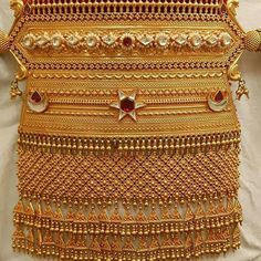 Gold Jewelry Design In India Jewelry Design Earrings, Gold Earrings Designs, Gold Jewellery Design, Necklace Designs, Pendant Jewelry, Real Gold Jewelry, Royal Jewelry, India Jewelry, Ethnic Jewelry