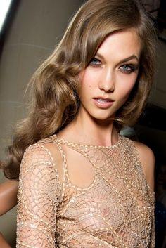 Karlie Koss in, Versace _